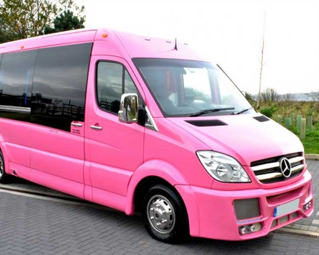 Pink Limos UK | Limo Hire in UK | Prom in Style